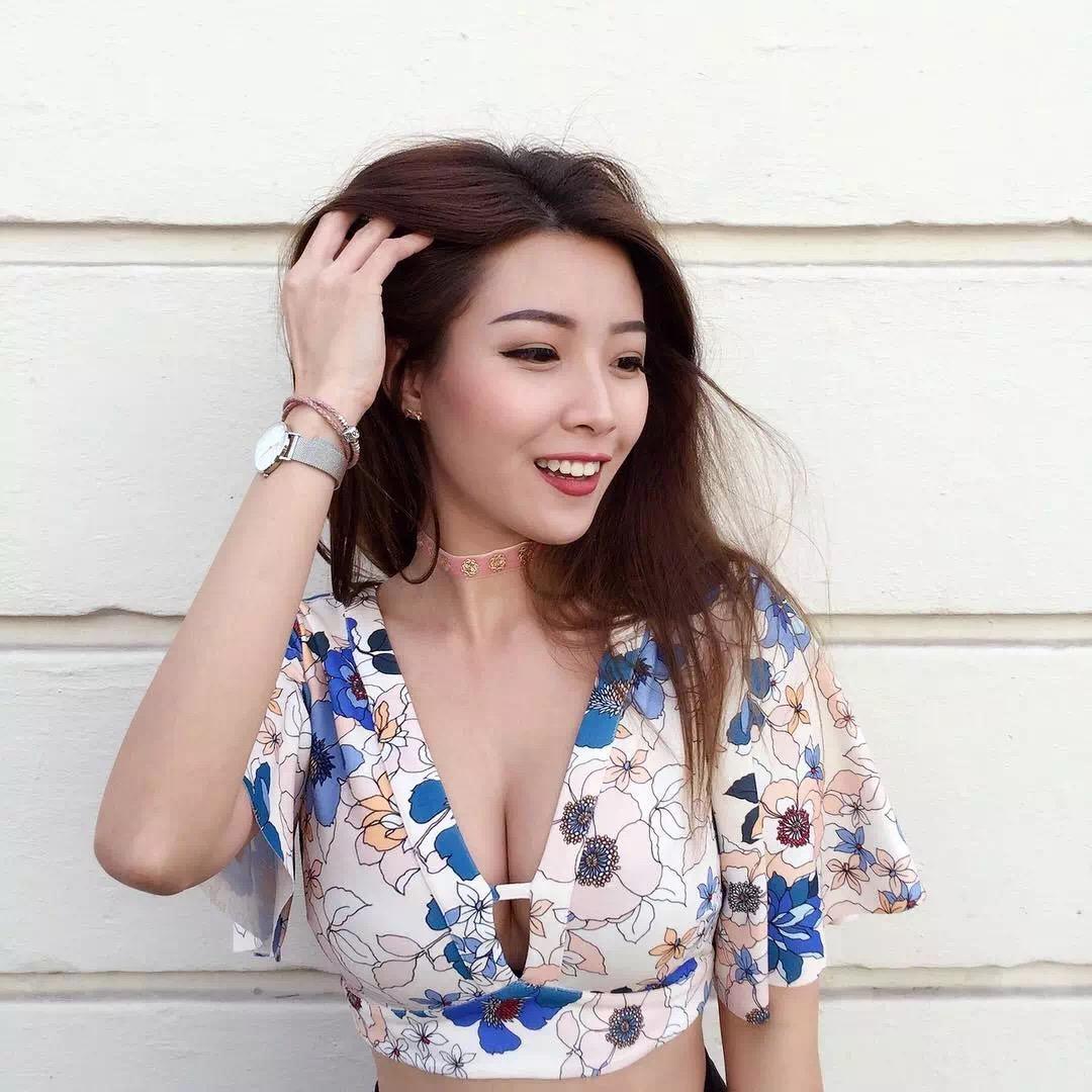 亚洲最美爆红女博士,有颜有胸有智慧!-金融微周刊